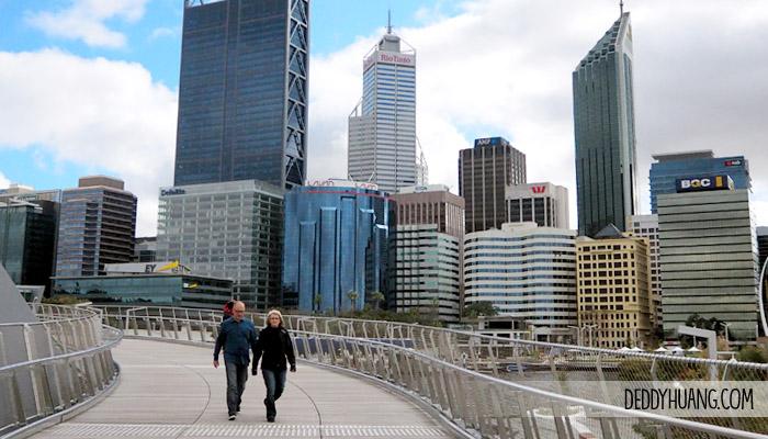 elizabeth quay - Traveling ke Perth, Enak Pakai Mobil atau Transportasi Umum?
