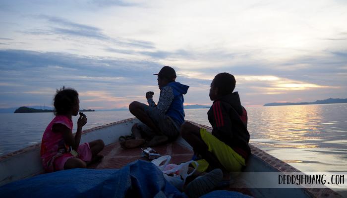 anak papua pemberani - Jelajah Raja Ampat: Pulau Mansuar, Surga Wisata Bahari Indonesia Mendunia (Bagian 1)