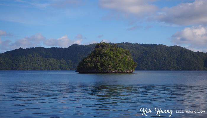 batu selpele raja ampat - Jelajah Raja Ampat: Puncak Wayag, Ikon Raja Ampat