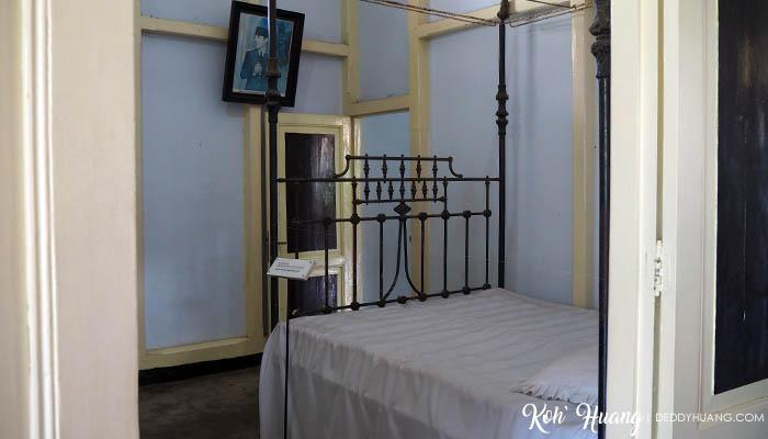 Kamar tidur Bung Karno dan Garnisih