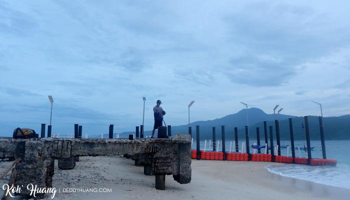 dermaga pulau pisang pagi - Jelajah Pesona Pulau Pisang : Bertemu Teman Baru (Bagian 2)