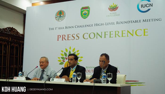 press conference bonn challenge - Palembang Tuan Rumah Bonn Challenge 2017