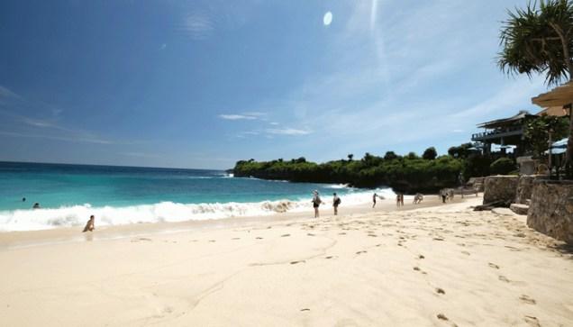 dream beach 2 - Aku Patah Hati! Bali, Tolong Sembuhkan Aku