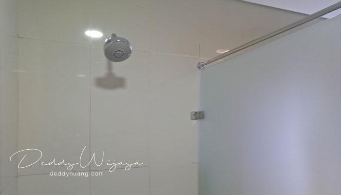 fasilitas kamar mandi bandara - Tahukah Kamu di Terminal 3 Bandara Soekarno Hatta Ada Ruang Mandi?