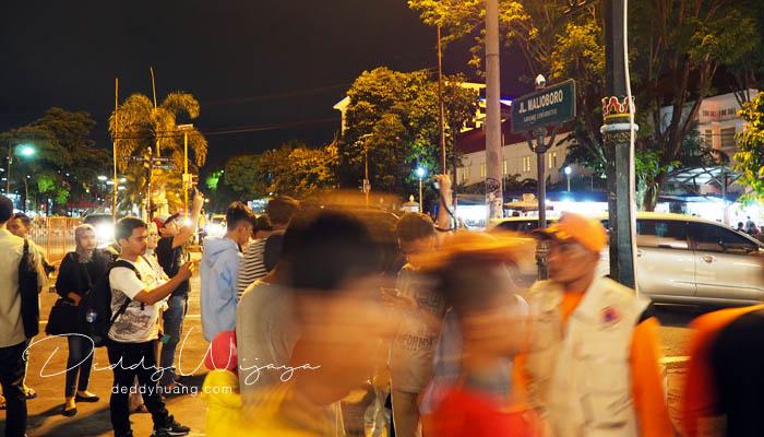 jalan malioboro yogyakarta - Antara Solo dan Yogjakarta Kita Jatuh Cinta #JadiBisa