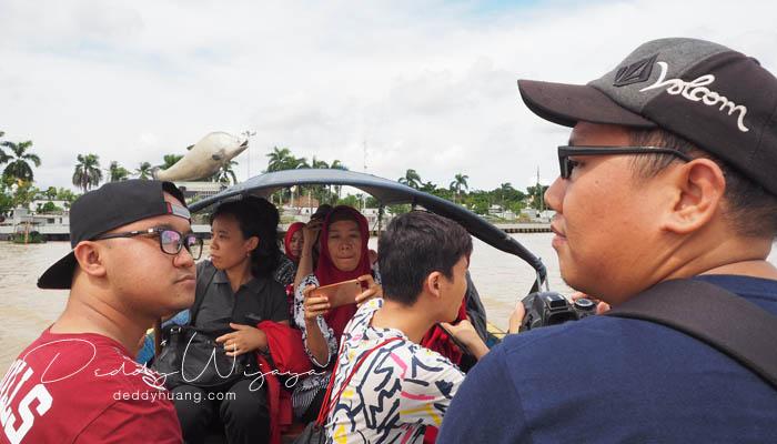 naik ketek - Pasar Baba Boentjit, Warna Baru Wisata Kota Palembang