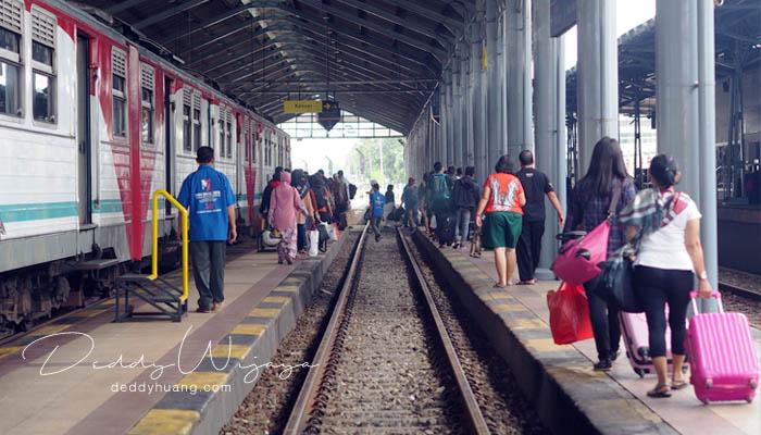 stasiun solo balapan1 - Antara Solo dan Yogjakarta Kita Jatuh Cinta #JadiBisa