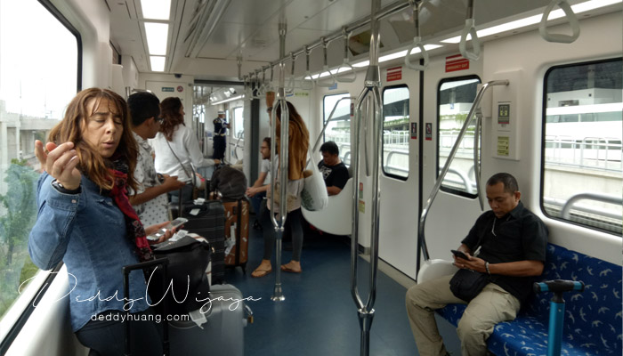 interior dalam kalayang - Penasaran! Inilah Penampakan Skytrain Bandara Soekarno Hatta