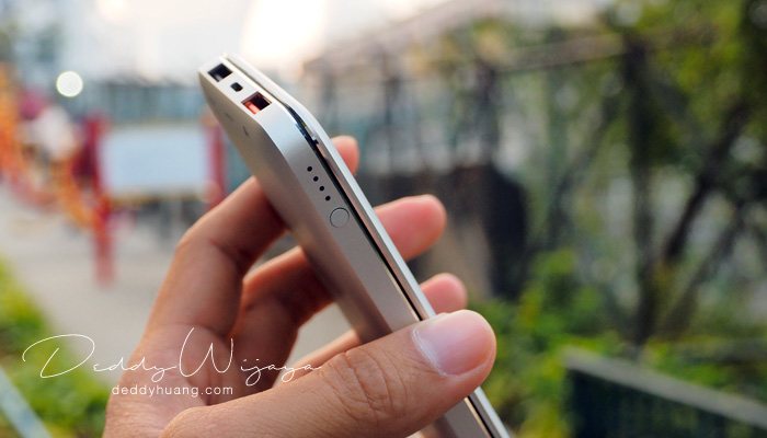 acmic tampak samping - [REVIEW] ACMIC A10Pro 10000 mAh Quick Charge 3.0
