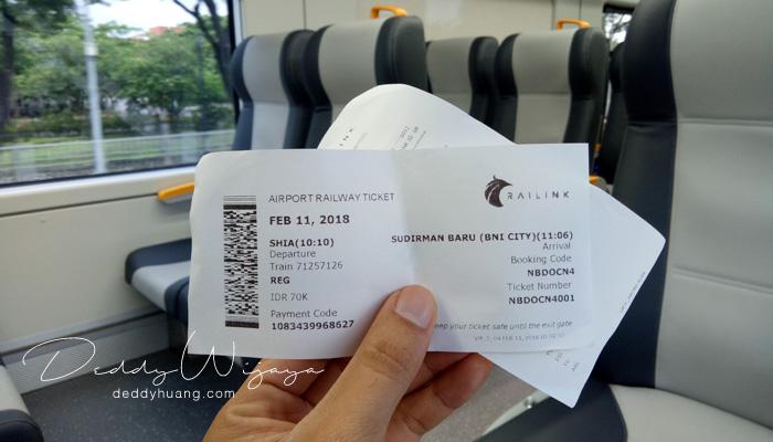 tiket kereta api bandara - Pengalaman Naik Kereta Api Bandara Soetta (Soekarno Hatta)
