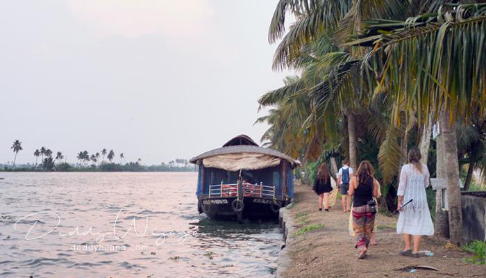 alappuzha 02 - 12 Tempat Wisata di Kerala Ini Kaya Alam dan Budaya (Part I)