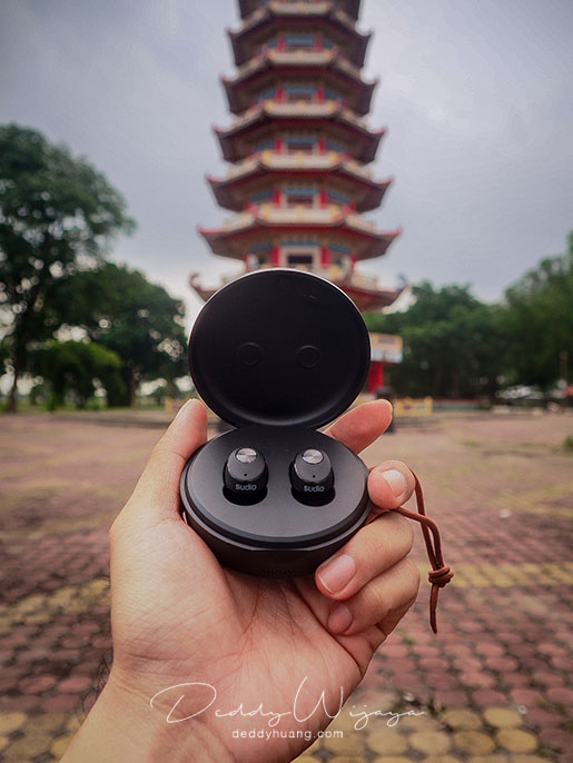 sudio niva 06 - [REVIEW + Kode Diskon] SUDIO Niva, Earphone Wireless Tanpa Kabel