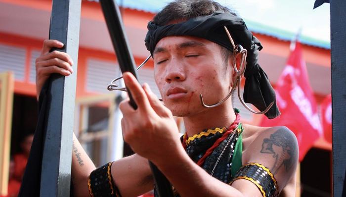festival cap go meh singkawang - Detak Jantung Berhenti Dikejar Tatung Singkawang