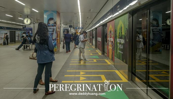 mrt jakarta 08 1 - Pertama Kali Naik MRT Jakarta? Ini Tips Agar Kamu Tidak Jadi Viral