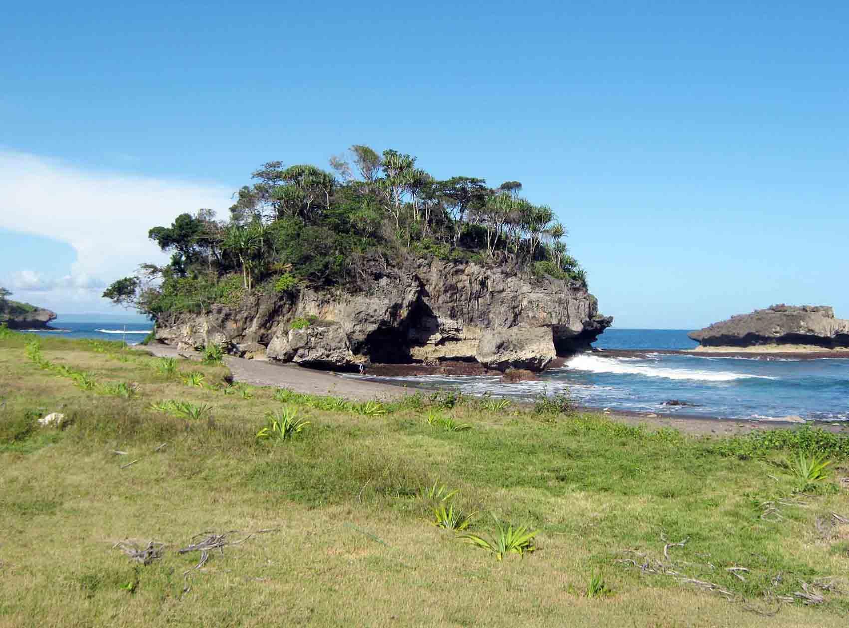 Pantai Karangseugeuh- Bulben - Cimerak - Kab.Ciamis