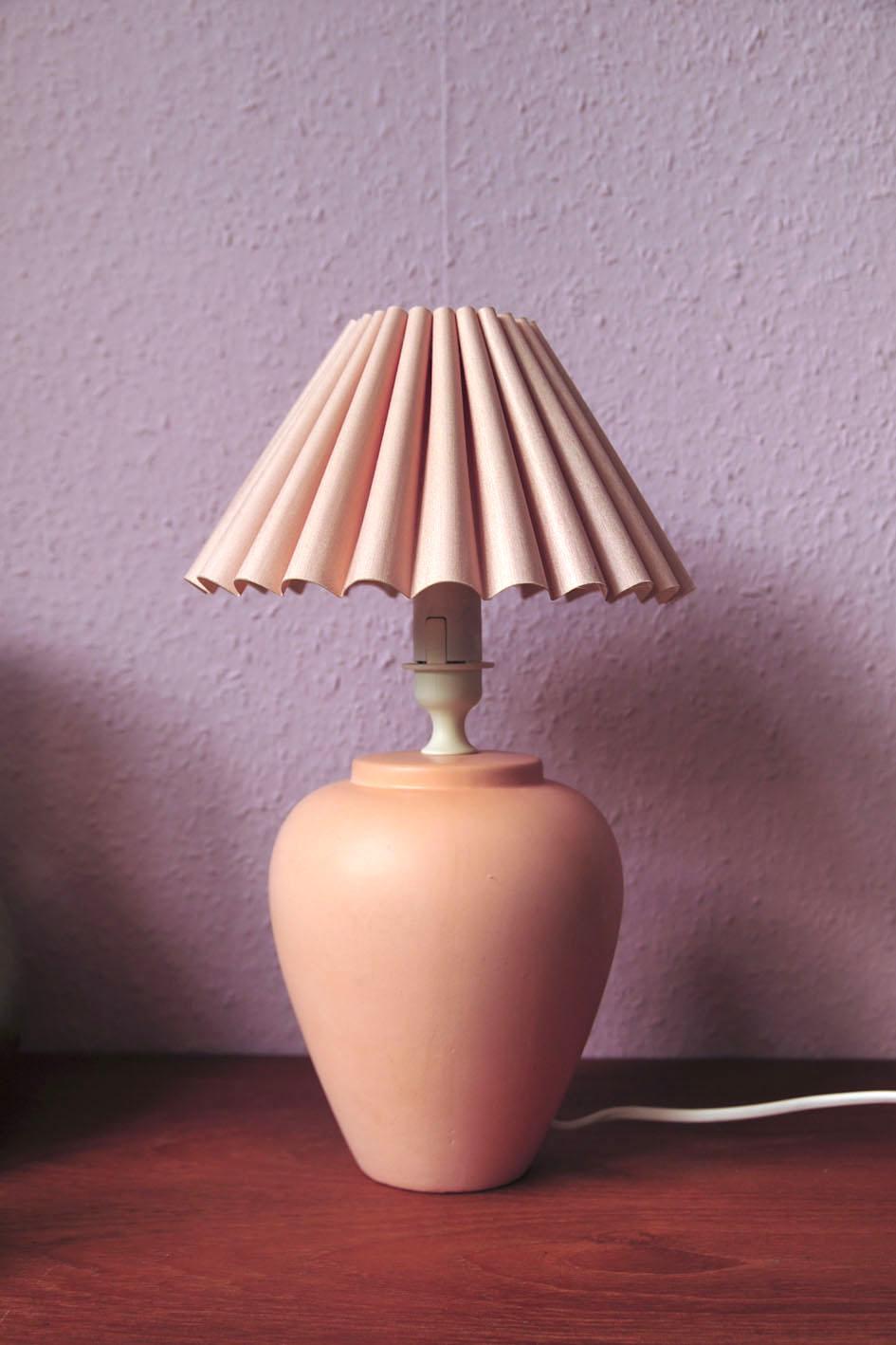 zalmroze tafellamp