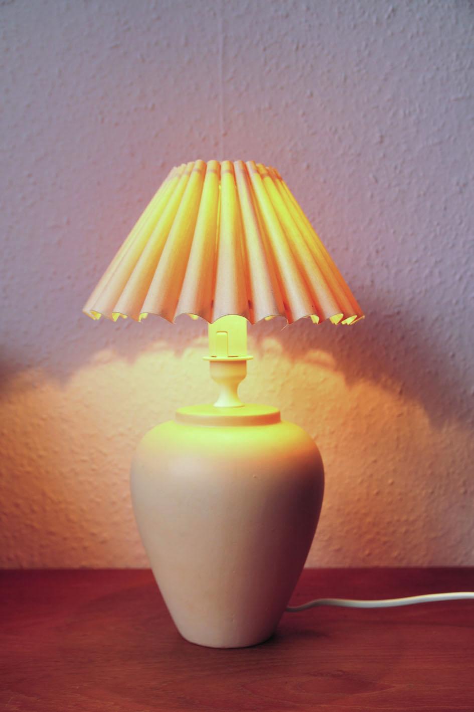 vintage zalmroze tafellamp