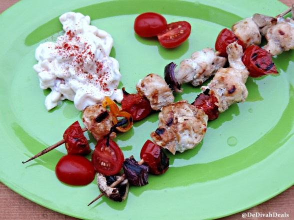 chicken kabobs with macaroni salad