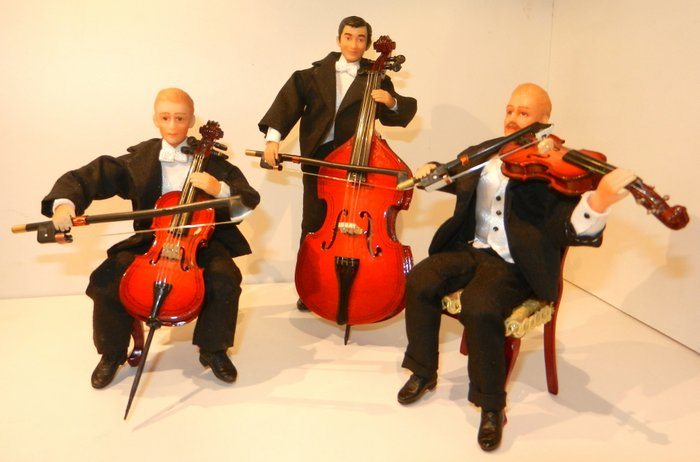 Cellist, double bass player and violinist.