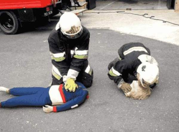 Falsche Feuerwehrleute Unterwegs