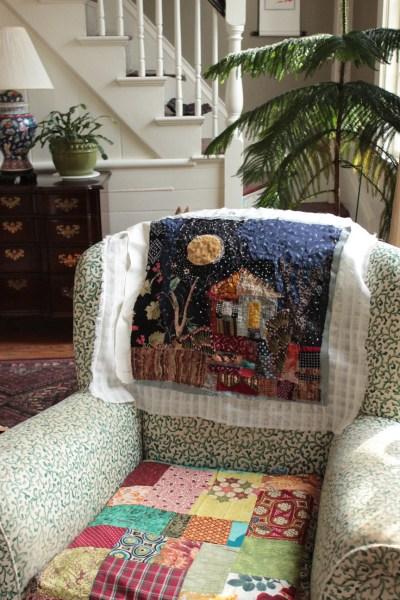 December-House-chair