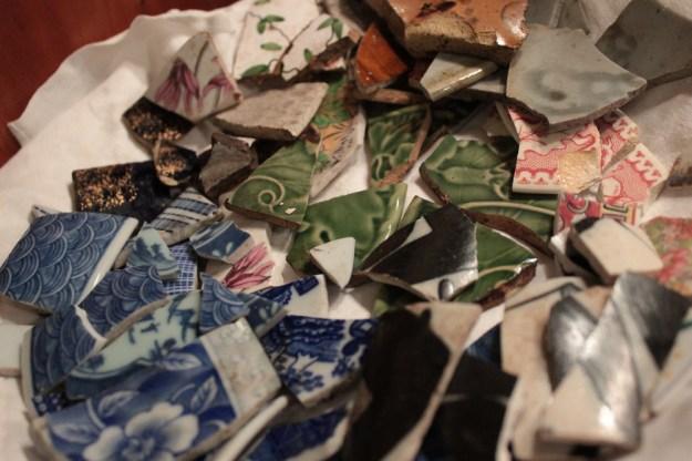 broken-shards-pottery-deemallon