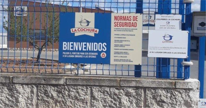 DEEMESTUDIO-LA COCHURA-SEÑALETICA EXTERIOR-BANDEJA OFICINAS