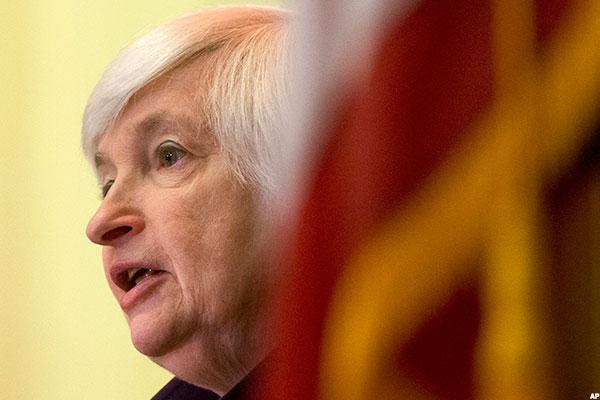 4 Uncertainties That Could Delay the Fed's Decision to Lift Rates