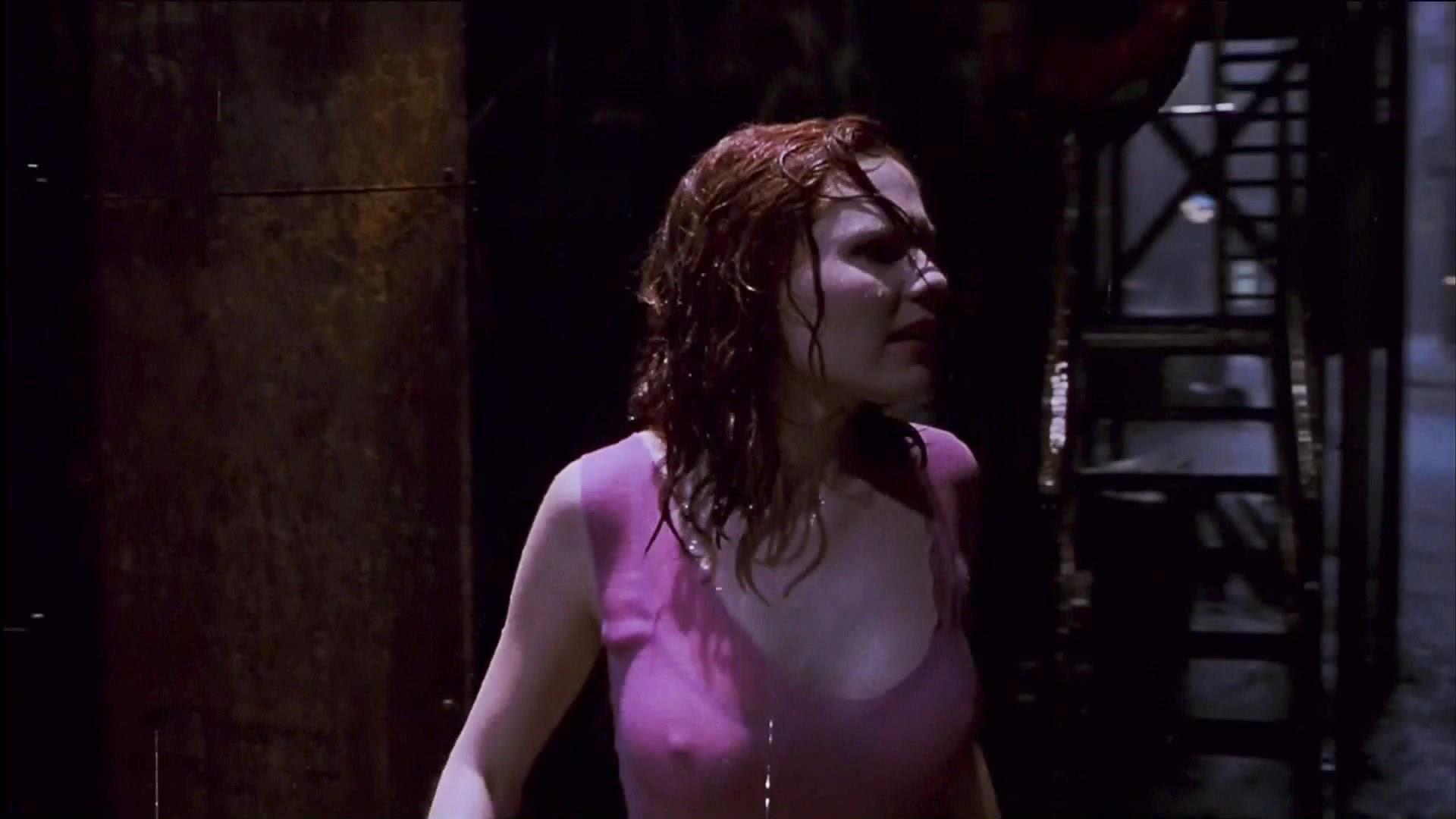 Kirsten Dunst nipples