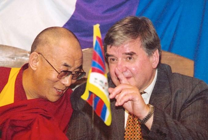 Linnart-Mäll-with-Dalai-Lama
