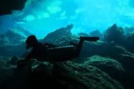 Entrenamiento de buceo en Cueva