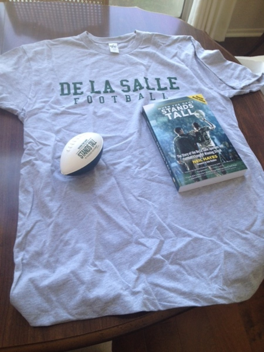 'When The Game Stands Tall' T-Shirt, Football, & Book Giveaway