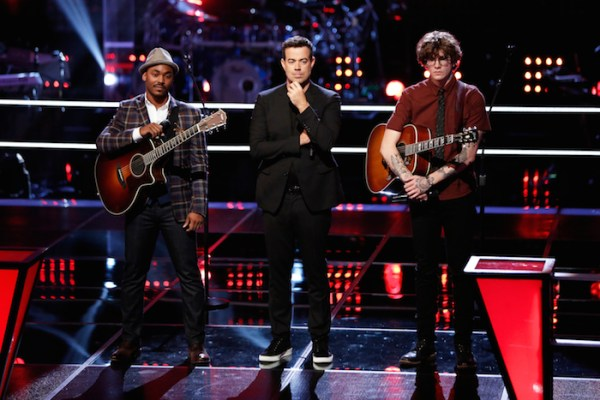 """THE VOICE --  """"Battle Rounds"""" Episode 708 -- Pictured: (l-r) Ethan Butler, Carson Daly, Matt McAndew -- (Photo by: Tyler Golden/NBC)"""
