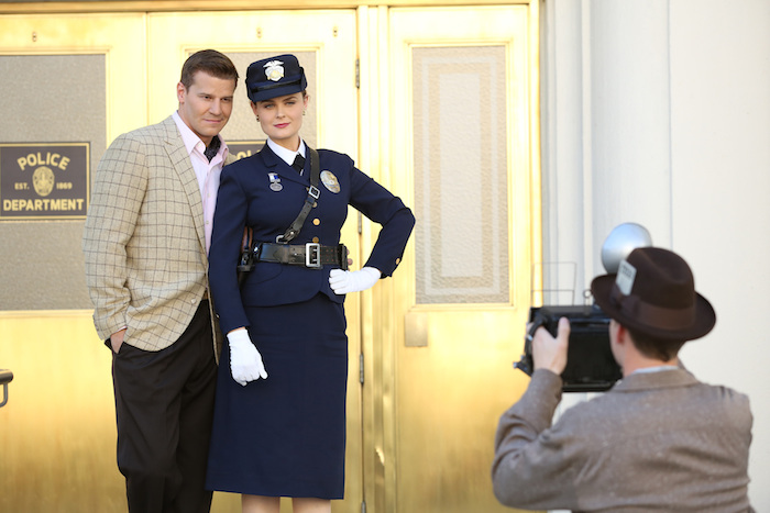 Pictured L-R:  David Boreanaz and Emily Deschanel.  ©2014 Fox Broadcasting Co.  Cr:  Beth Dubber/FOX