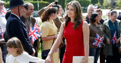 The Royals, Season 1 - Elizabeth Hurley