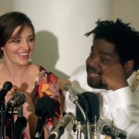 "VIDEO: Bianca Kajlich & Ron Funches Talk Undateable's ""Free Fall"" Moments"