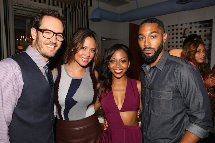"""TRUTH BE TOLD -- """"Happy Hour at Nic's Beverly Hills"""" -- Pictured: (l-r) Mark-Paul Gosselaar, Vanessa Lachey, Bresha Webb, Tone Bell -- (Photo by: Evans Vestal Ward/NBC)"""