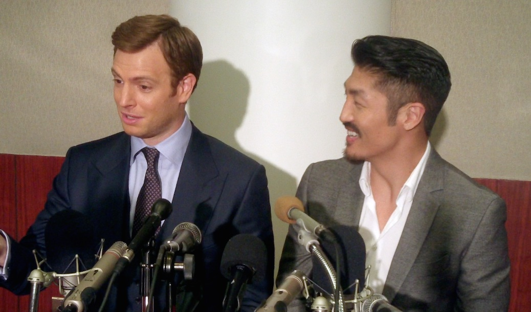 Nick Gehlfuss & Brian Tee Talk 'Chicago Med' & Stethoscope Story