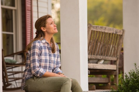 Christy (JENNIFER GARNER) on the front porch of their house in Columbia Pictures' MIRACLES FROM HEAVEN.