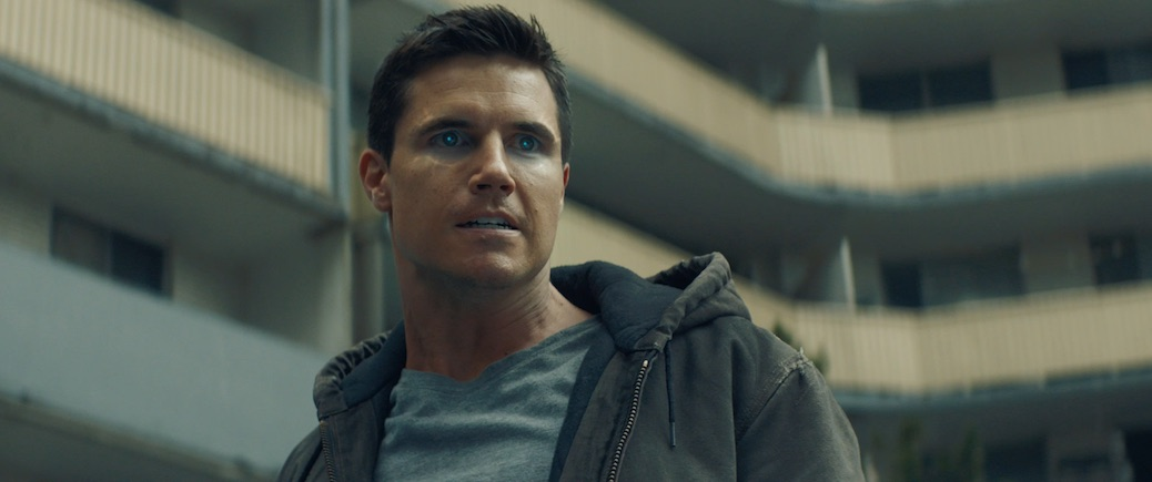 Robbie Amell Cites Passion As The Key To Success Behind ...