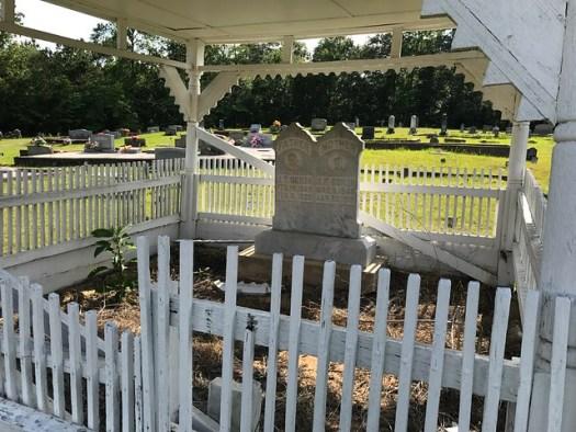 Eagle Creek Cemetery Graveshelter, Dadeville AL