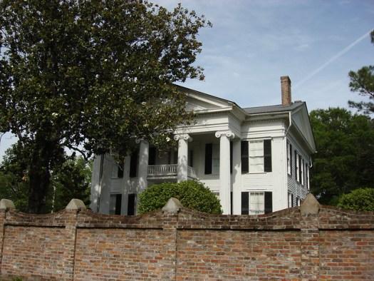 Beautiful Home, Gainesville Alabama