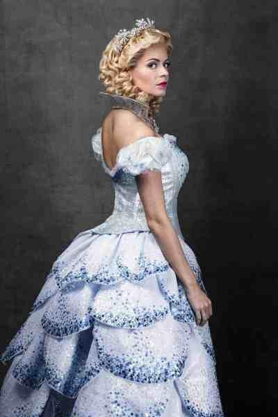 Wicked_Sophie Evans (Glinda)_Photo by Darren Bell_September 2017 (1)