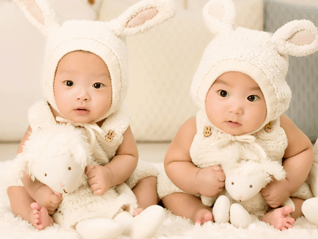 6 Useful Gifts to Give to a New Mum of Twin Babies