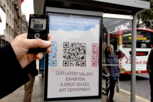 How to embed QR codes in to pictures (1/2)