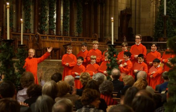 John Scott (left) and the Saint Thomas Boys' Choir at Saint Thomas Church on 5th Avenue, New York City (Photo: Peter Matthews, December 19, 2014)