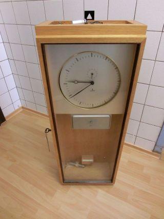 Mobiliar  Interieur  Uhren  Gefertigt nach 1950