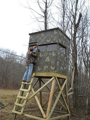How To Build A Deer Blind Hunting
