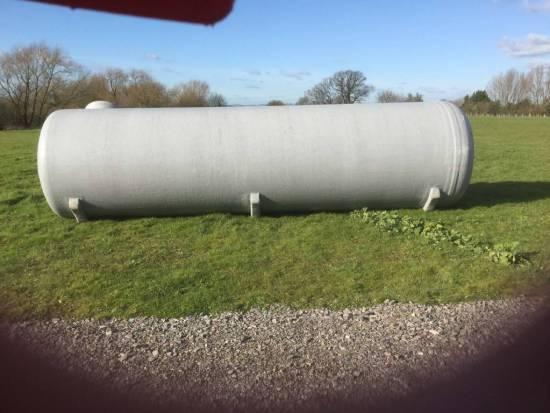 Waste storage tank
