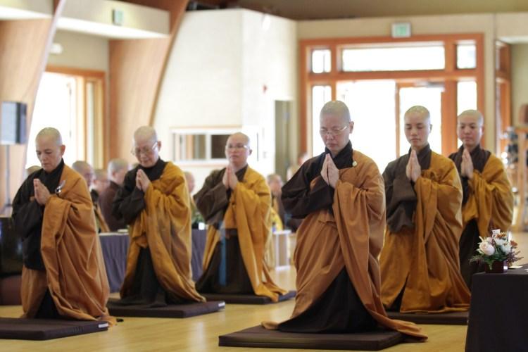 Bhikshuni Transmission at Great Precepts Transmission Ceremony 2021